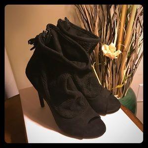 Romandy Booties Justfab Size 8